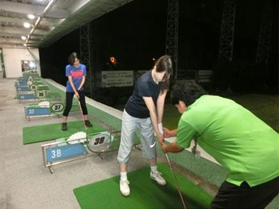 レッスン写真1 : はじめてのゴルフ